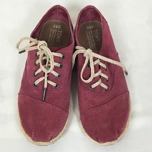 TOMS Red Burgundy Suede Perforated Lace Up Oxfords